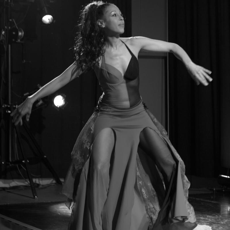 Tanz und Theater Dance Move Events Tanzstudio Paula Nadal Profil Tanzperformance Zeitgenössischer Bauchtanz Wien Wiener Konzerthaus Österreich